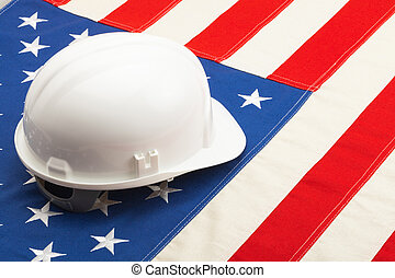 disparar, capacete, cor, -, sobre, deitando, bandeira e. u., construção, closeup, branca