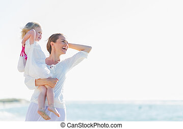 distância, olhar, mãe, bebê, praia, feliz