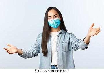 distancing, covid-19, レジャー, 伸ばしなさい, 中, ウエア, アジア人, ライフスタイル, 誰か, 微笑, concept., 毎日, 抱擁, 社会, 来なさい, 手, 女の子, 弾力性, 歓迎, ∥あるいは∥, 味方, マスク, 生活, pandemic, 医学, 抱擁