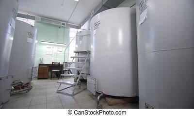 distillery., tanks., sans tache, grand, fermentation., barils, distiller, alcoolique, cognac, acier, fermentation, silos, teinture, vin, boissons