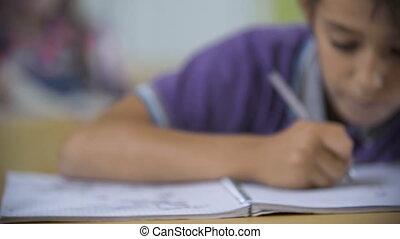 distraire, études