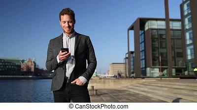 district, business, rue., utilisation, app, ville, téléphone, grand, homme affaires