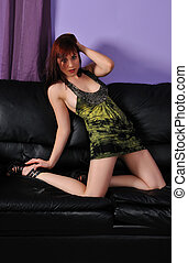 divan, ou, sofa, jeune, séduisant, femme