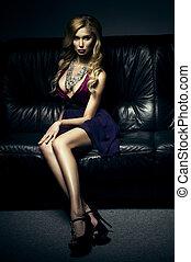 divano, lussuoso, seduta, donna, bello