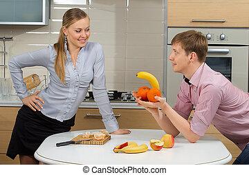 diversión, pareja, teniendo, cocina