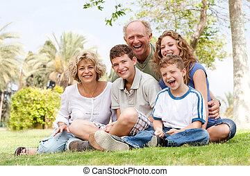 diversión, parque, teniendo, familia , feliz