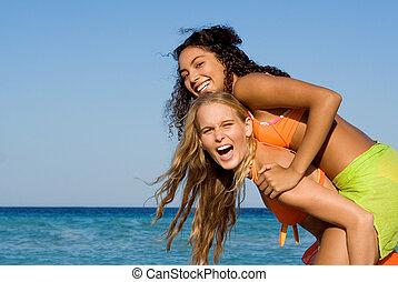 diversidade, raça misturada, amigos, tocando, piggyback, ligado, feriado verão, em, praia