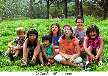 Diversity portrait of kids outdoors. - Diversity outdoor...