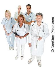 diverso, equipo médico, mirar hacia arriba, blanco