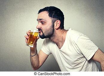 divertente, barbuto, bere, birra, uomo