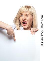 divertente, donna aguzzando, esso, isolato, carta, attraente, presa a terra, bianco, vuoto