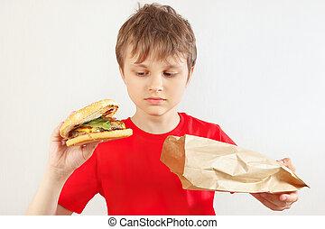 divertente, poco, hamburger, pacchetto, ragazzo, fondo., carta, prendere, bianco fuori