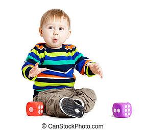 divertido, poco, taza, encima, fondo., juguetes, bebé, blanco, juego, niño