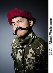 divertido, soldado, en, militar, concepto