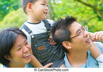 divertimento, ao ar livre, família asian, tendo