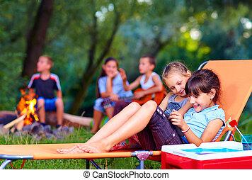 divertimento, estate, bambini, detenere, campeggiare
