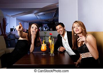 divertimento, grupo, amigos, tendo