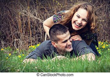 divertimento, par, capim, tendo, feliz