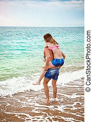 divertimento, par, praia, jovem, tendo
