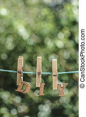 d.i.y., 詞, 寫, 所作, 垂懸, 木制, 信件, 上, 繩子, 在, 花園