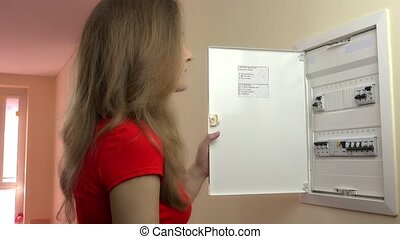 DIY woman solved which fuse has blown on electical fuse...