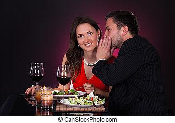 dizendo segredo, mulher, homem