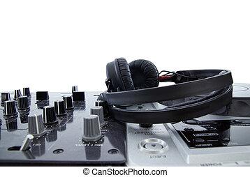 dj, 믹서, 와, 헤드폰, 고립된, 백색 위에서