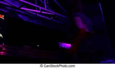 dj girl dance