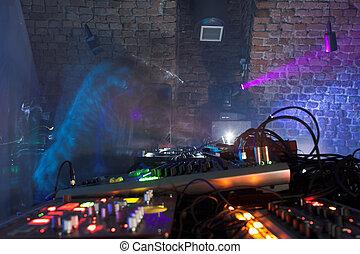 DJ - In the nightclub