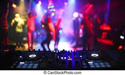 dj, mélangeur, boîte nuit, contrôleur, musique, fête
