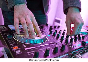 dj, spiele, und, mischling, musik, auf, digital, midi,...