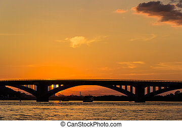 dnieper, tramonto