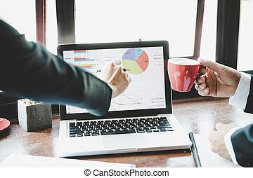 do góry., handlowy, laptop, nowoczesny, wykresy, analiza, strategia, wykresy, analizując, dochód, computer., drużyna, zamknięcie, concept.