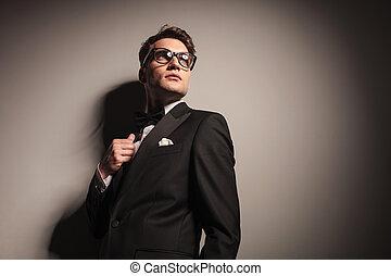 do góry., handlowy, młode przeglądnięcie, elegancki, człowiek, przystojny