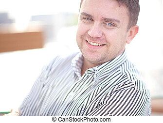 do góry, pociągający, biznesmen, zamknięcie, portret, uśmiechanie się