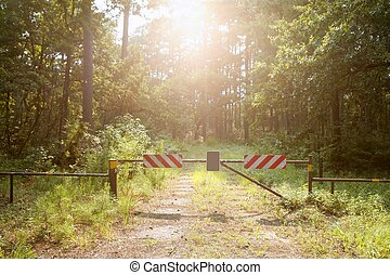Do not enter closed way to paradise