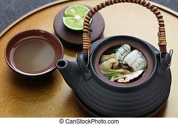dobin mushi (Japanese cuisine) : steamed matsutake mushroom ...