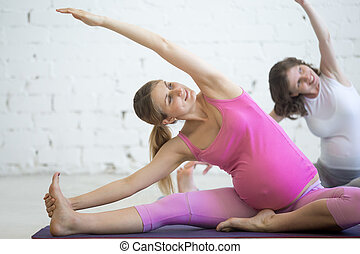doblando, yoga., embarazada, janu, postura, joven, prenatal, sirsasana, mujeres