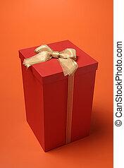 doboz, darabka, piros háttér