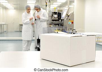 doboz, egyenes, modern, -, gyár, termelés, automatizált, hajlandó, jel, fehér, -e