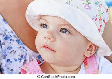 doce, menina bebê, com, olhos azuis