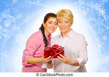 dochter, geven, cadeau, om te, haar, moeder