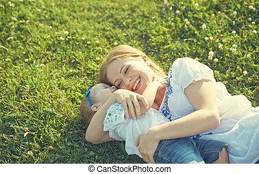 dochter, gezin, nature., mamma, baby, spelend, vrolijke