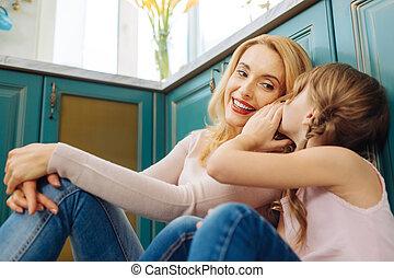 dochter, haar, moeders, blonde , het fluisteren, oor