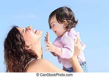 dochter, haar, samen, aantrekkelijk, mamma, spelend, verheffing