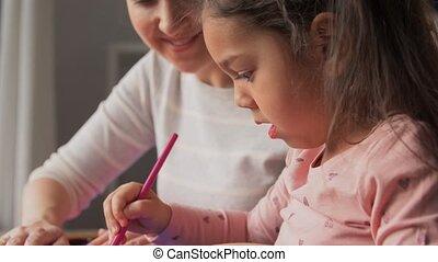 dochter, moeder, thuis, applique, vervaardiging