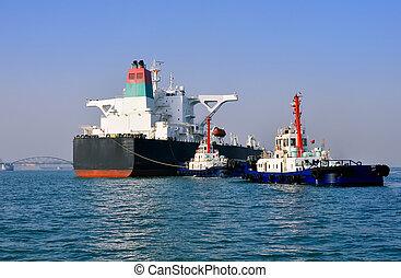 docked, tanker, kajen
