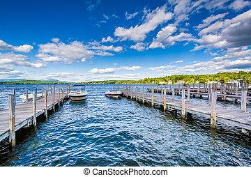 Docks on Lake Winnipesaukee in Weirs Beach, Laconia, New ...