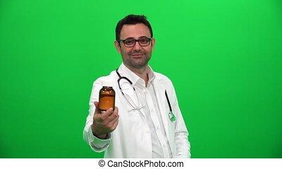 docteur, écran, pilules, monde médical, arrière-plan vert, projection, homme