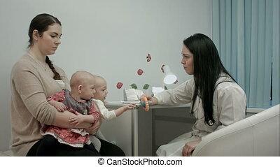 docteur, expliquer, nouveau né, jumeaux, quelque chose,...